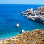Tu recherches des paysages à couper le souffle, des sublimes plages et de la tranquillité pour tes prochaines vacances en Grèce? Découvre les îles grecques méconnues de Céphalonie, d'Ithaque et de Folégandros.