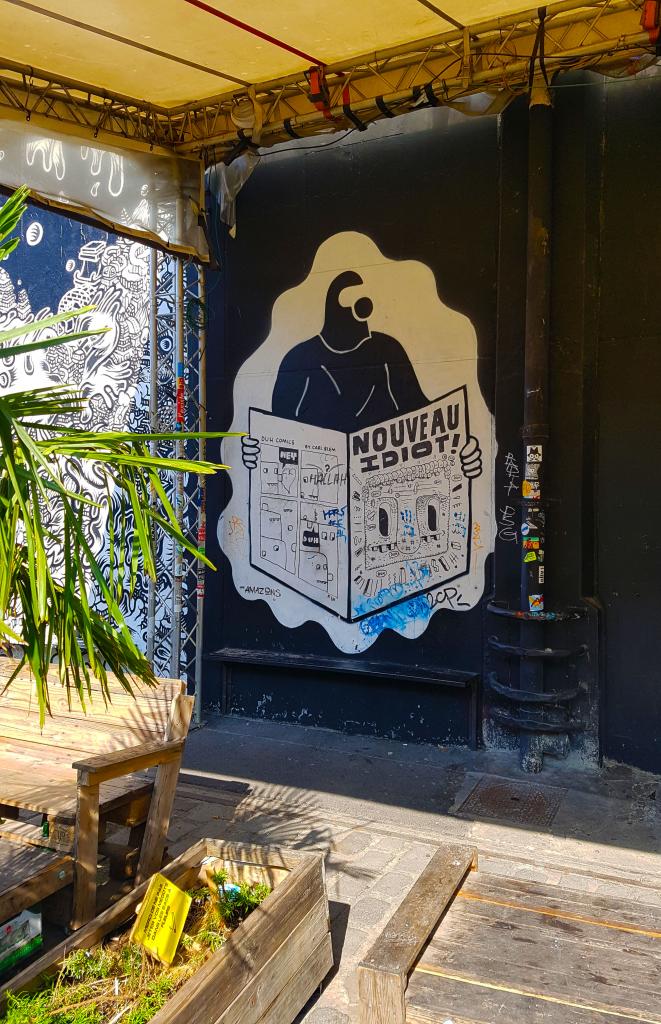 Le Point Éphémère est bien plus qu'un centre artistique avec sa programmation riche et variée, street art Paris.