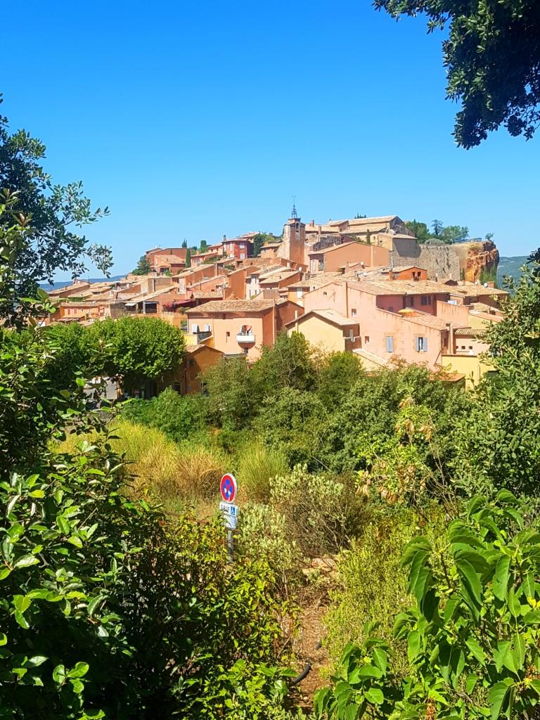 Le village dans le Luberon (Vaucluse, France)