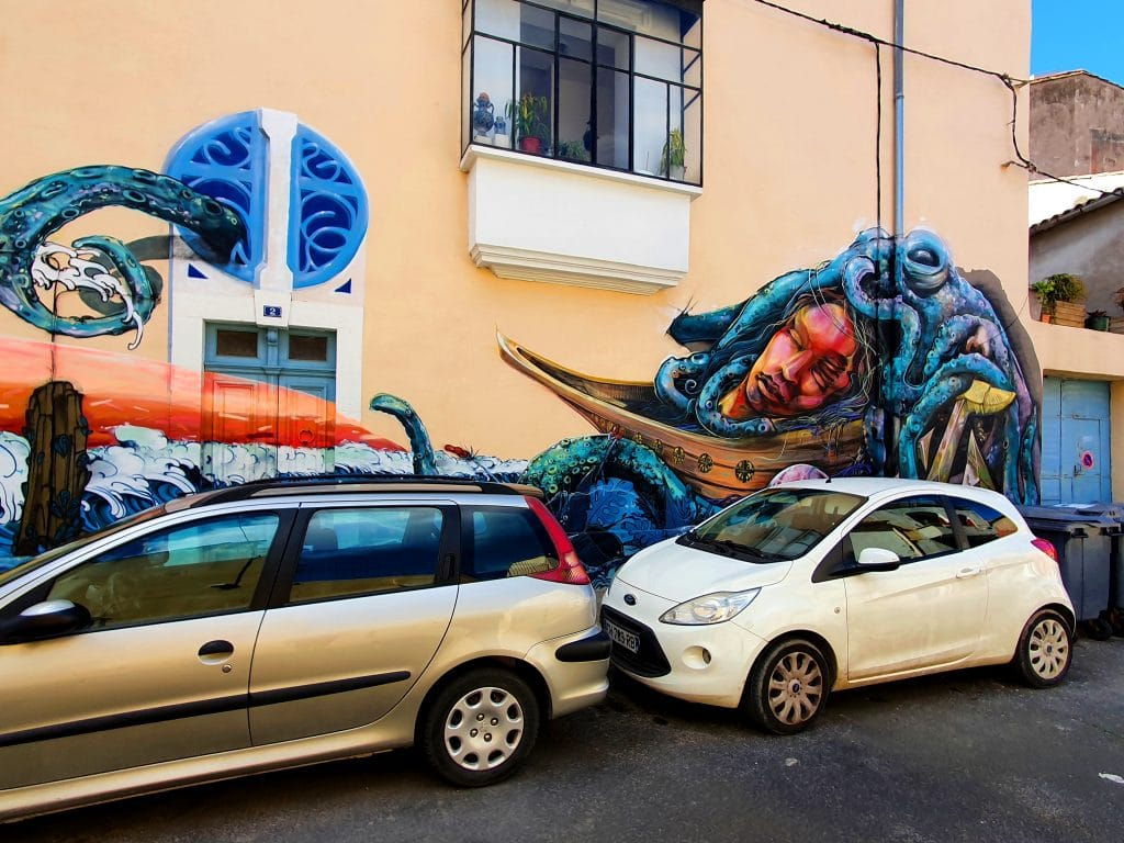 fresque street art en vrac, rue de Tunis, Sète (France)