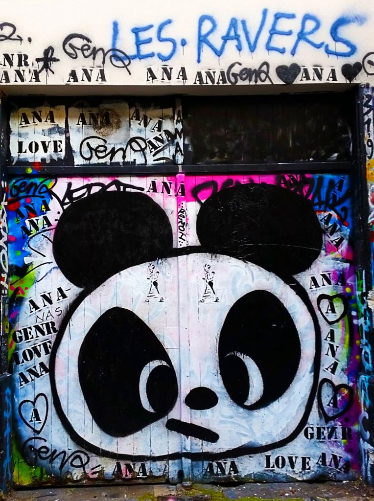 street art rue Dénoyez dans le quartier de Belleville à Paris