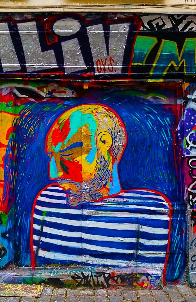Picasso en street art rue Dénoyez dans le quartier de Belleville à Paris