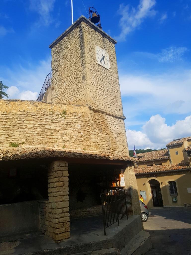 Saumane-de-Vaucluse (pays de Sorgue) dans la région d'Avignon