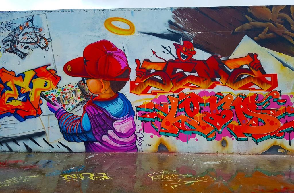 Street art à Bourg-en-Bresse sur le parking de la Vinaigrerie