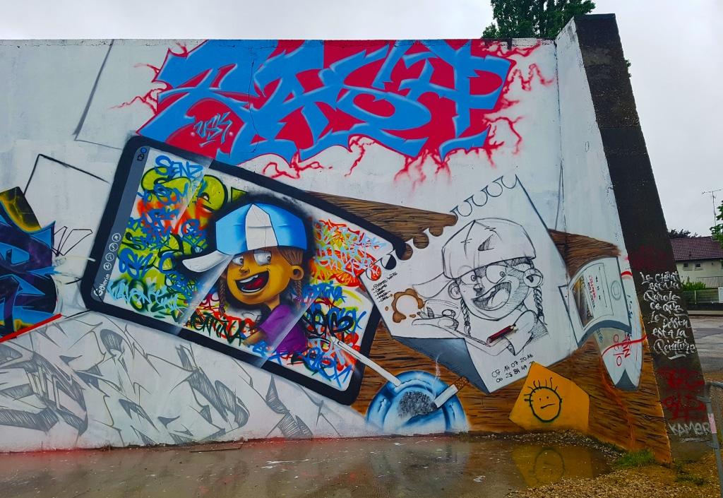 le street artiste Senz USK à Bourg-en-Bresse