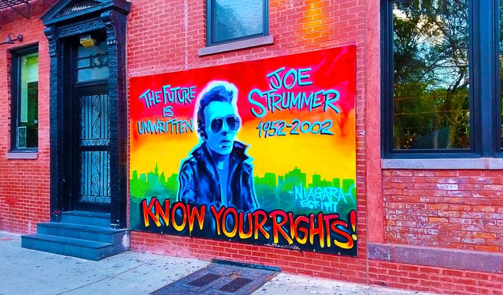 Hommage à Joe Strummer, New York à pied.