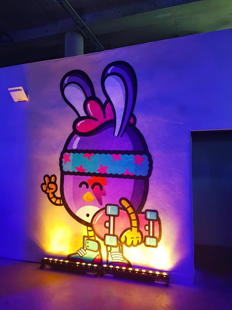 le street art des Birdy Kids à l'exposition Offside Gallery au Groupama Stadium, Lyon