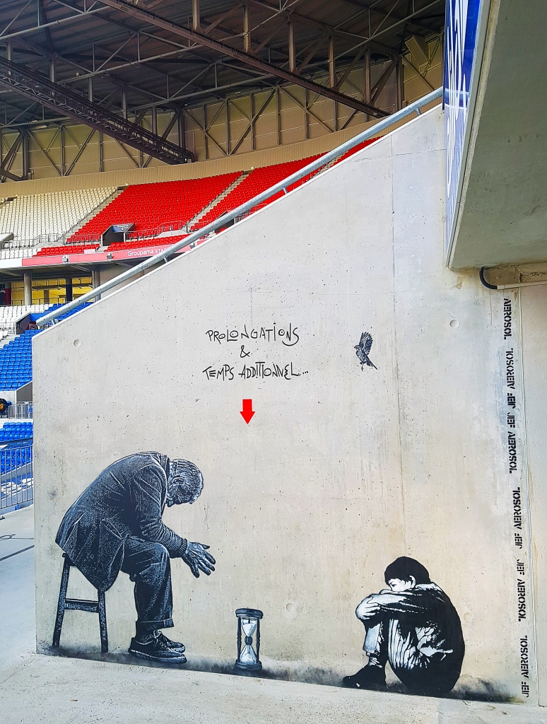 Jef Aérosol au Groupama Stadium pour l'exposition street art Offside Gallery