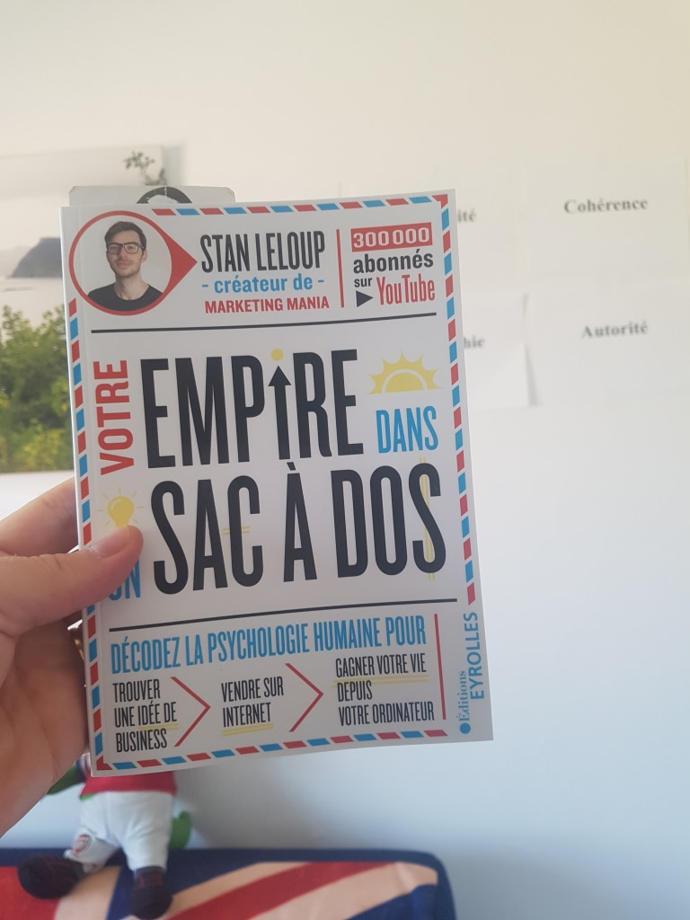 La couverture du nouveau livre de Stan Leloup Votre Empire dans un sac à dos